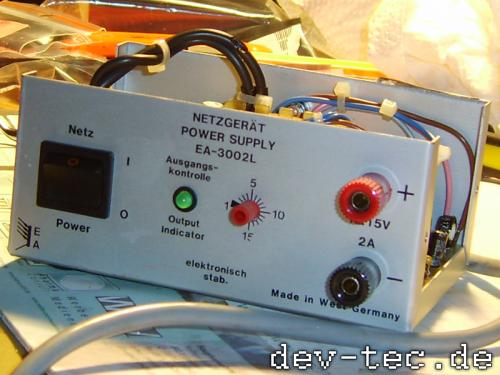 Netzteil EA-3002L - Ansicht vorne